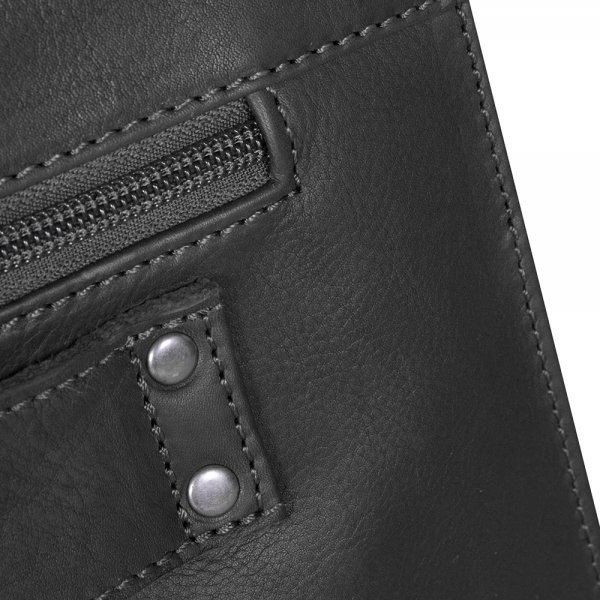 The Chesterfield Brand Mario Shoulderbag black van Leer