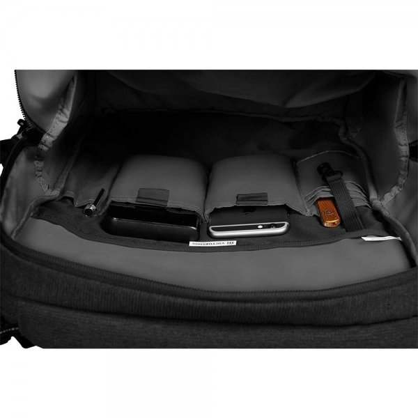 Victorinox Altmont Classic Deluxe Laptop Backpack black backpack van Polyester