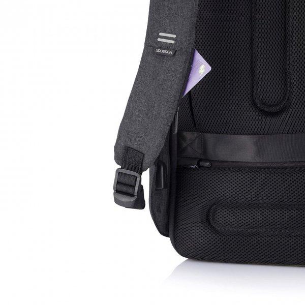 XD Design Bobby Hero XL Anti-diefstal Rugzak black backpack van Polyester
