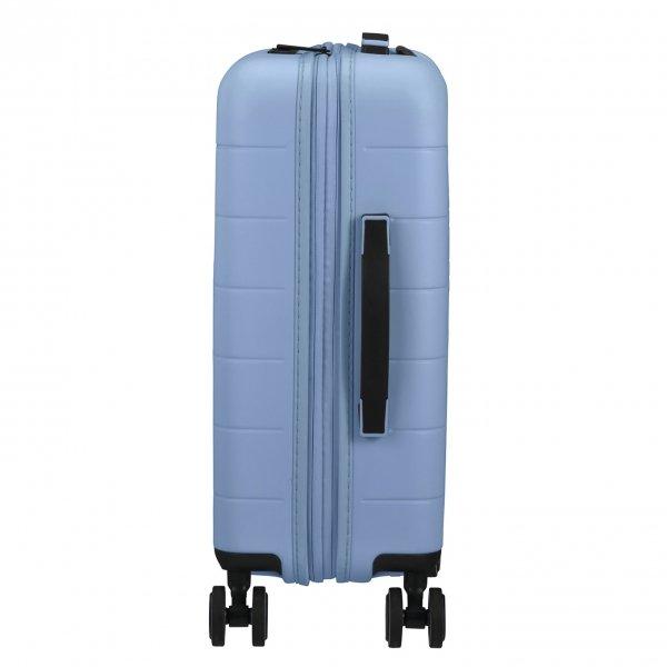 American Tourister Novastream Spinner 55 Exp pastel blue Harde Koffer van
